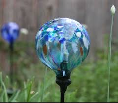 Crackle Globe Solar Lights by Replace A Broken Glass Globe On A Solar Powered Garden Light 4 Steps