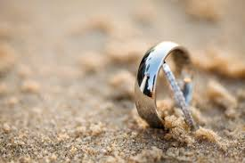 waterfront wedding band lost wedding rings at the sandbar
