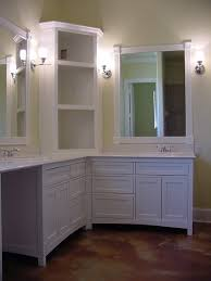 Shaker Style Vanity Bathroom by Best 25 Corner Bathroom Vanity Ideas Only On Pinterest Corner