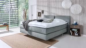 B O Schreibtisch Grau Couture Bett Stoff Grau Mit Kopfteil Und Topper 180x200