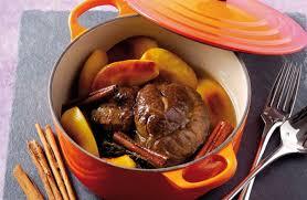 cuisiner du paleron de boeuf bœuf braisé au cidre cannelle et pommes caramélisées recettes de