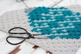 free pattern c2c crochet christmas bulb make u0026 do crew
