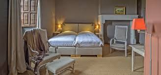 chambre de chateau où dormir château de lerse chambres d hôtes 16250 pérignac charente