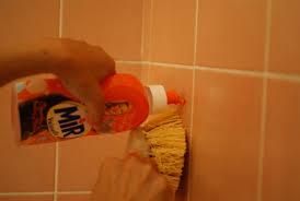 nettoyer carrelage cuisine un nettoyant anti calcaire maison pour la salle de bain la