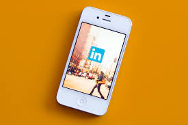 How To Upload A Resume On Linkedin How To Catch The Eye Of A Recruiter In Just 7 Minutes Money