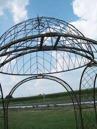 4 arches wrought iron gazebo dome top structure