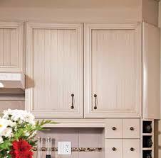 modele de porte d armoire de cuisine 10 options pour rever vos armoires trucs et conseils