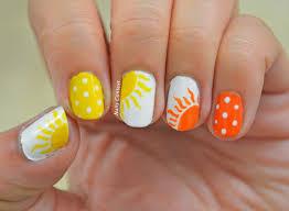 nails context summer sun