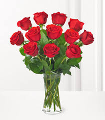 Flowers Delivered With Vase One Dozen Red Roses With Vase Discount Flowers By Next Day Delivery