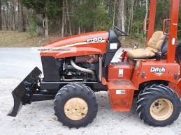 2004 ditch witch rt40 center cut trencher construction heavy equipment