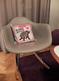 chaise eames grise conran shop mes petites paillettes