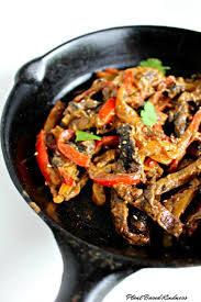 cuisine mexicaine fajitas fajitas de portobello avec sauce au sésame et arachides plant