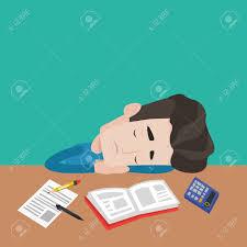 sexe au bureau étudiant de sexe masculin dormir au bureau avec livre livre d