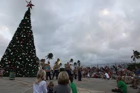 file mcb hawaii christmas tree lighting 111204 m dx861 017 jpg