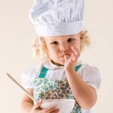cuisine de bébé bébé dans la cuisine les astuces sécurité magicmaman com