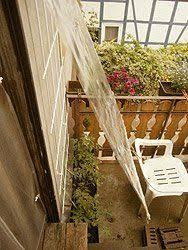 balkon regenschutz die besten 25 regenschutz balkon ideen auf kletternde