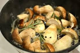 cuisiner des cepes frais comment cuisiner les cèpes frais comment les préparer les nettoyer
