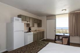 the reef hotel on panama city beach with kitchen and 2 doubles panama city beach hotels