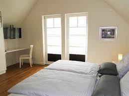 schlafzimmer verdunkeln funvit grau rosa wohnzimmer