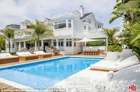 justin bieber drops u0027 80k a month u0027 to lease lavish 10 bedroom lake