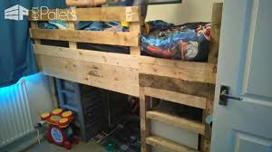 Bunk Bed Headboard Tiny Room Pallet Bunk Bed Play Area U2022 1001 Pallets