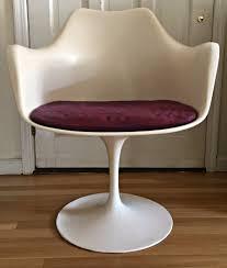 knoll tulip chair by saarinen u2014 the furniture dolly