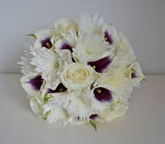 calla bouquets spider chrysanthemums and callas bouquet bouquet wedding flower