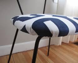 blue lamb furnishings 4 sleek navy white mcm dining chairs sold