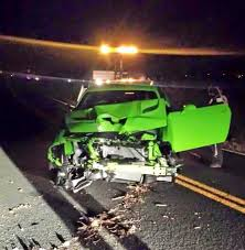 Dodge Challenger Old - owner crashes 707hp dodge challenger hellcat an hour after delivery