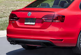 2016 vw jetta gli gets a subtle facelift retains golf gti u0027s 210hp