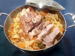 cuisiner une rouelle de porc rouelle de porc au chou la recette facile par toqués 2 cuisine