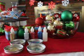deck the halls ornament station as shared by the scrappy