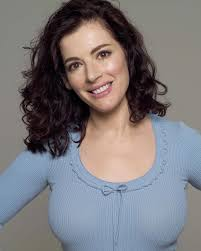 i can u0027t stop watching nigella lawson vids sexiest woman alive