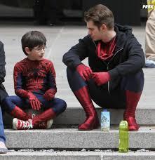 The Amazing Spiderman Memes - m礫me les h礬ros prennent des pauses dans the amazing spider man 2