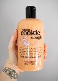 treaclemoon warm cookie dough bath shower gel i am fabulicious get your warm cookie dough bath and shower gel from treaclemoon at tesco now