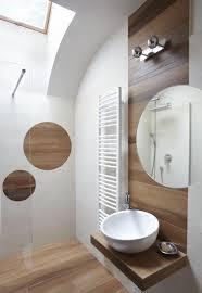 interieur salle de bain moderne carrelage salle de bain imitation bois u2013 34 idées modernes