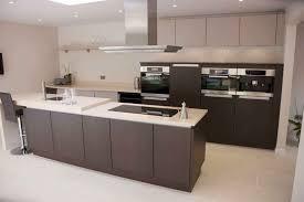 poggenpohl küche moderne küche holzfurnier kochinsel lackiert segmento