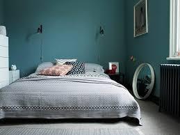 chambre bleu gris 1001 idées pour une chambre bleu canard pétrole et paon sublime