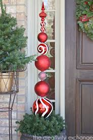 Large Christmas Tree Ornaments Outdoor by Best 25 Christmas Topiary Ideas On Pinterest Large Outdoor