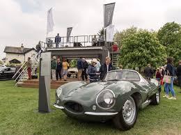 jaguar classic cool cats 1 200 jaguars gather at windsor castle classiccars