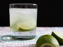 easy cocktails 35 simple 3 ingredient drinks to make at home
