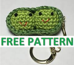 peas in a pod keychain ravelry two peas in a pod keyring pattern by poplar gifts