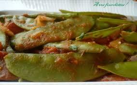 cuisiner pois gourmand pois gourmands aux tomates a vos fourchettes