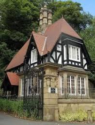 English Tudor Style A Guide To Tudor Homes From Storybook Homes To Grand Manors The