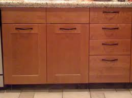 Where To Place Knobs And Pulls On Kitchen Cabinets Where To Place Handles On Kitchen Cabinets Home Design Ideas