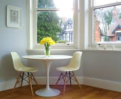 Tulip Table And Chairs Small Oval Dining Table Help For Small Dining Space Homesfeed