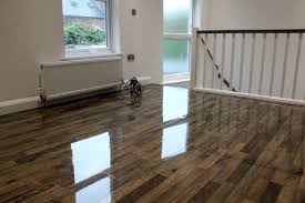 cleaning laminate floors on high gloss laminate flooring