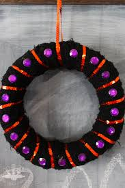 easy mini halloween wreath domestically creative