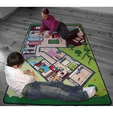 tapis pour chambre enfant tapis de jeu la maison pour chambre enfant en polyester par tapitom