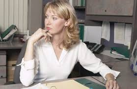 how do i write a cover letter for the administrative assistant to